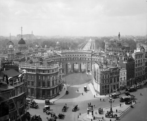 ADMIRALTY ARCH, The Mall, Westminster, London