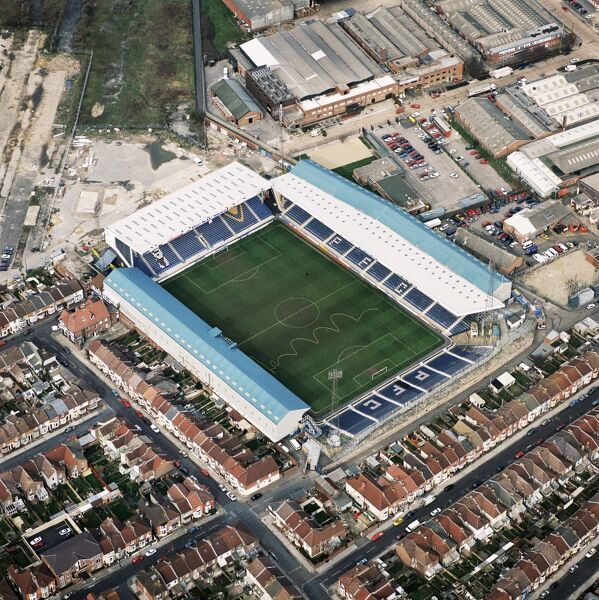 FRATTON PARK, Portsmouth. Aerial view of the home of Portsmouth FC photographed in 1998. Pompey. Aerofilms Collection (see Links)