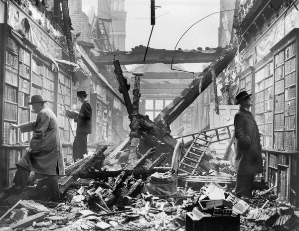 Holland House library after an air raid BB83_04456. © Historic England Archive