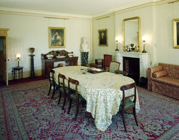 down house dining room j000033