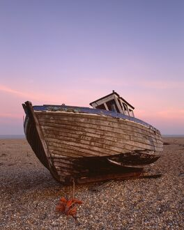 Fishing boat, Dungeness Beach J070051