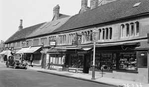 Shopping in Sherborne 1939 BB056810