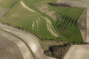 Strip lynchets 27608_003