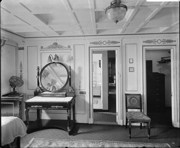 "The ""Empire"" bedroom in cabin C55, RMS Olympic, White Star Line, 1920-21"