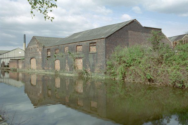 Used for the storage of bar iron before it was processed in the cementation and crucible works. Said to be the sole survivor of this type of warehouse in Sheffield, South Yorkshire. IoE 457545