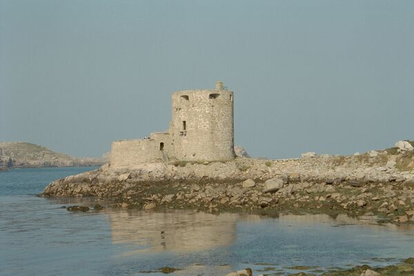 Gun tower of1651-2, built following a threat to the Isles Of Scilly by the Dutch. IoE 62549