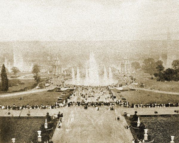 CRYSTAL PALACE, Sydenham, London. A view of the fountains from the terrace of the Crystal Palace. This photograph is believed to show the visit of 42, 000 members of the Ancient Order of Foresters to the Crystal Palace in 1862 for a convention