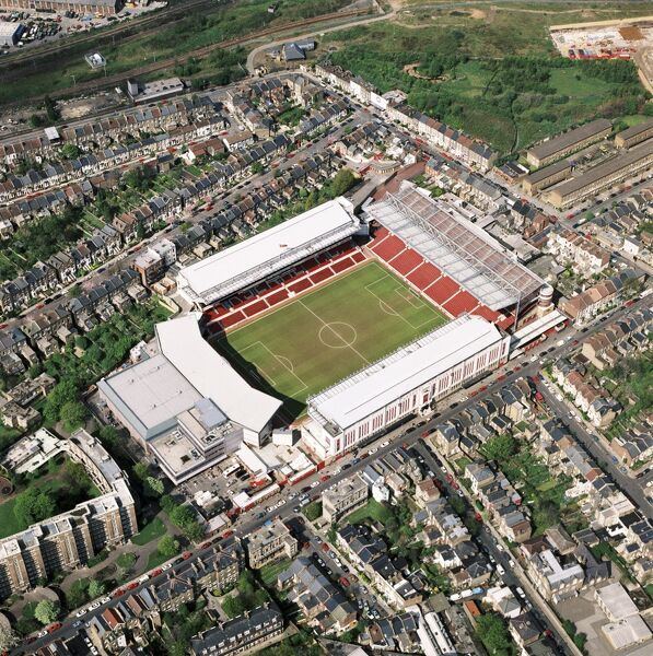 HIGHBURY STADIUM, London. Aerial view. The former home of Arsenal Football Club in April 1994. Arsenal with Ian Wright finished 4th in the Premiership that season. Aerofilms Collection (see Links)