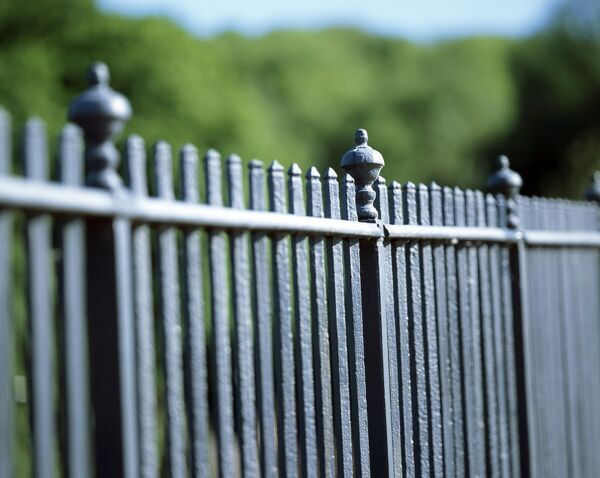 IRON BRIDGE, Shropshire. Detail of the railings on the parapet of the bridge