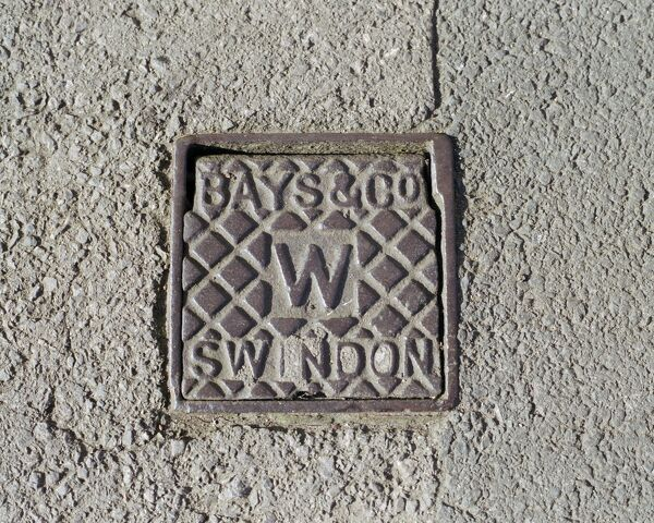 Ironwork AA059414. Swindon, Wiltshire. A water stop tap cover plate made by Bays