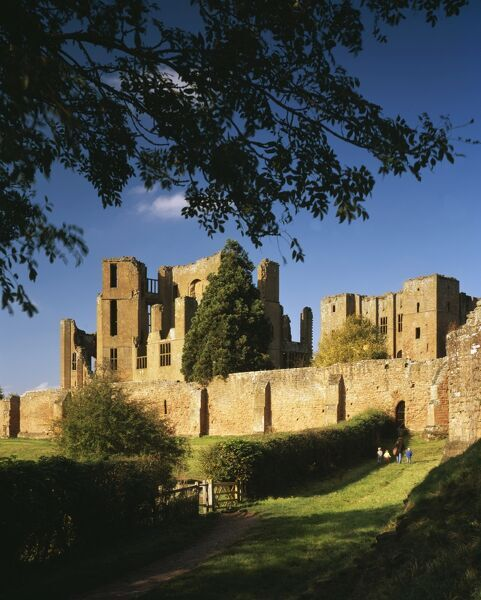 KENILWORTH CASTLE, Warwickshire. View looking North West towards the Keep and Leicester's Building with part of Mortimer's Tower to right