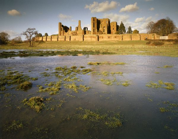 KENILWORTH CASTLE, Warwickshire. View across the mere