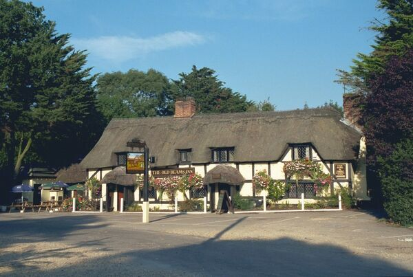 The Old Beams Inn. Timber-framed late C15 public house, New Forest. IoE 143592