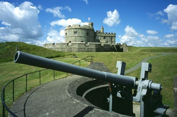 PENDENNIS CASTLE, Falmouth, Cornwall. View of the Keep & Governor's block from north east with mounted gun in the foreground