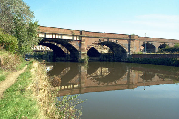 Railway Viaduct. Viaduct Over River Irwell, Salford, Greater Manchester. IoE 471614