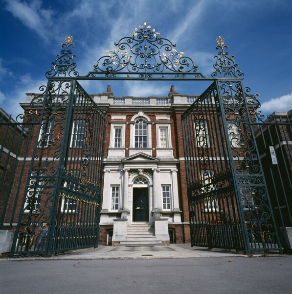 RANGERS HOUSE, Greenwich Park, London. A view of the front of the house through the gates