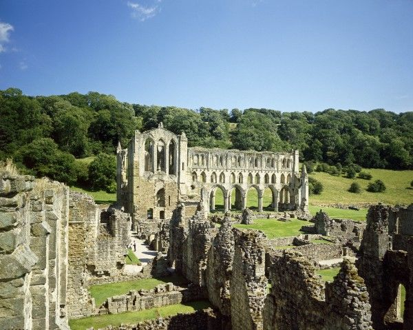 RIEVAULX ABBEY, North Yorkshire. General view