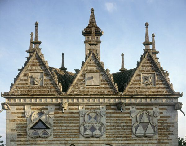 RUSHTON TRIANGULAR LODGE, Northamptonshire. View of the gables of the North front