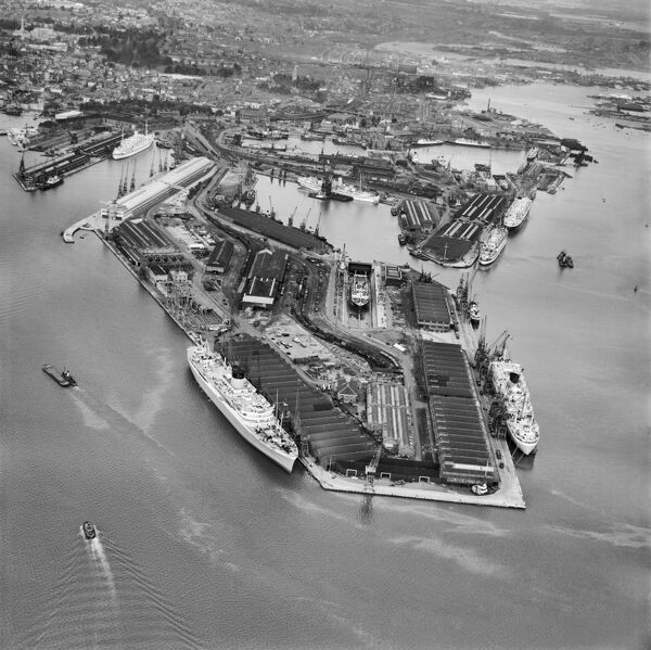 The Docks, Southampton, from the south. Photographed by Aerofilms Ltd in 1950