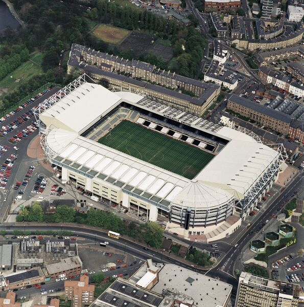 ST JAMES' PARK, Newcastle-upon-Tyne. Aerial view of the home of Newcastle United FC since 1892. Photographed in 1997. Aerofilms Collection (see Links)