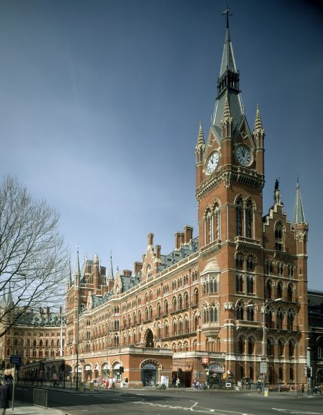 ST PANCRAS CHAMBERS, London. Exterior view from the south east