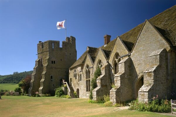 STOKESAY CASTLE, Shropshire. West Range and South Tower from the courtyard