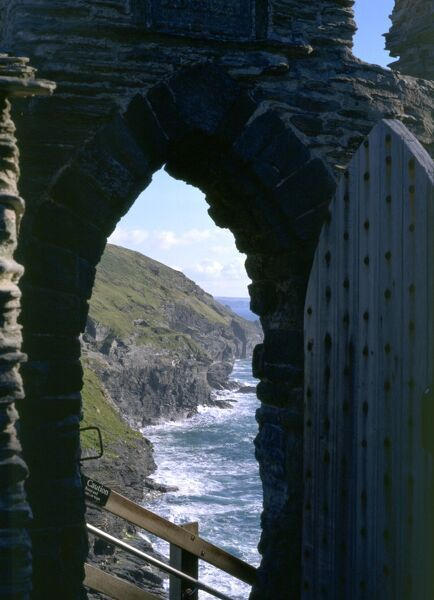 TINTAGEL CASTLE, Cornwall. The gateway to the inner ward