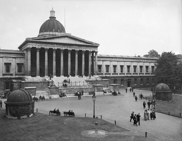 University College, Gower Street, London. The quadrangle with male and female students, showing the pedimented portico and observatories. Photographed around 1915 for Campbells Press Studio