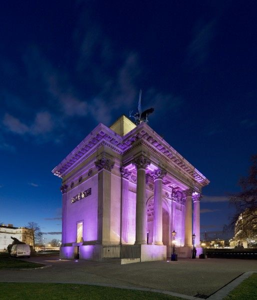 THE WELLINGTON ARCH, Hyde Park Corner, London. View of the arch, floodlit for a hospitality event