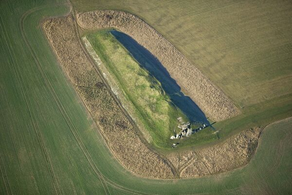 WEST KENNET LONG BARROW, Avebury, Wiltshire. Aerial view