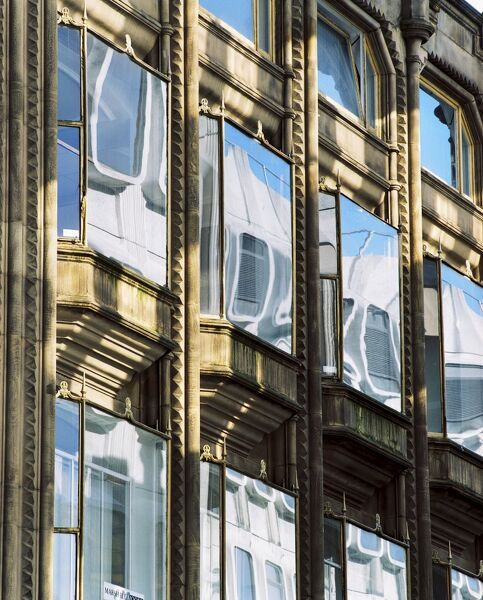 ORIEL CHAMBERS, Liverpool, Merseyside. Exterior detail view showing windows with reflections