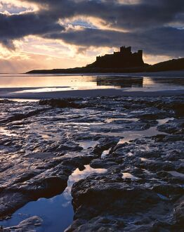 Bamburgh at sunset N080247