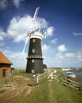 Berney Arms Windmill J850090