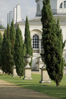 <b>Chiswick House gardens</b><br>Selection of 18 items