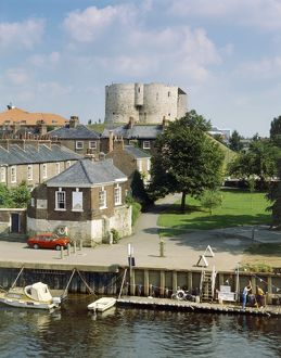 Clifford's Tower J860201