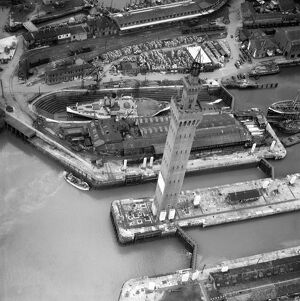 Grimsby Dock Tower EAW029404