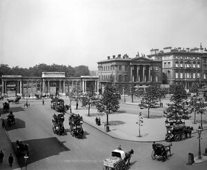 Hyde Park Corner and Apsley House DD87_00022