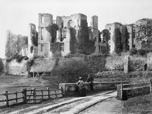 Kenilworth Castle c.1870 BB75_06911