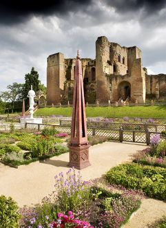 <b>Kenilworth Castle</b><br>Selection of 53 items