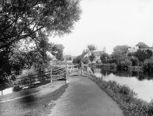Kennet towpath CC97_02774