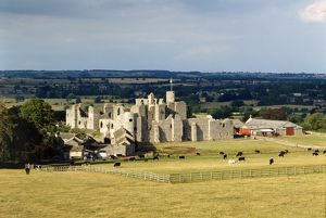 Middleham Castle K900428