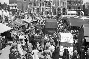 Norwich market in 1948 MF98_01664_16