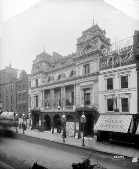 historic images/1870s 1900/oxford music hall oxford street london 1893