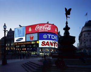 Piccadilly Circus J070044