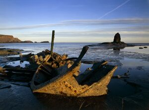 Shipwreck at Saltwick Bay K020590