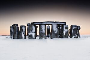 Stonehenge in snow N100786
