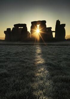 Stonehenge at sunrise N120064