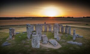 Stonehenge at sunrise N130035