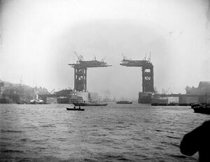 Tower Bridge under construction AA83_01325