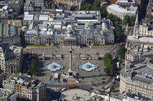 Trafalgar Square & The National Gallery 24430_037